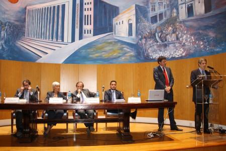 Acto en conmemoración de los 35 años de la recuperación de la democracia. Presentación del libro Alfonsín por Alfonsín