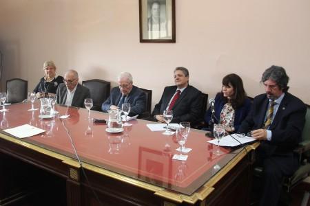 Ceremonia de entrega del diploma de declaración de interés educativo de las actividades del Instituto Gioja