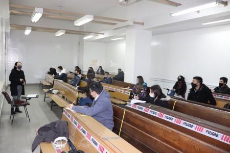 Con algunos cursos presenciales, la Facultad inició el segundo ciclo lectivo 2021