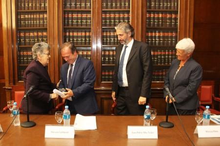 Entrega del doctorado honoris causa a la jueza Elizabeth Odio Benito
