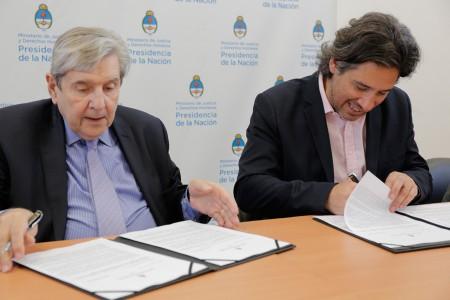 La Facultad firmó un convenio con el Ministerio de Justicia y Derechos Humanos