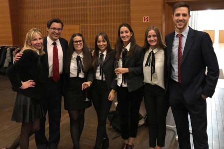 Notable desempeño de la Facultad de Derecho en Competencias de Arbitraje de Inversión