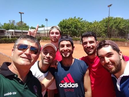 ¡Torneo interfacultades de tenis masculino. Derecho campeón!
