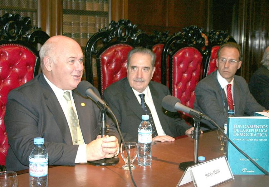 Rubén Hallú, Raúl Alfonsín y Carlos Rosenkrantz