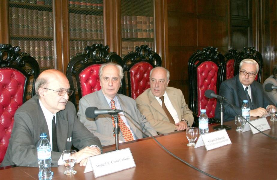 Miguel Ángel Ciuro Caldani, Eduardo Barbarosch, Atilio Alterini y Ricardo Guibourg