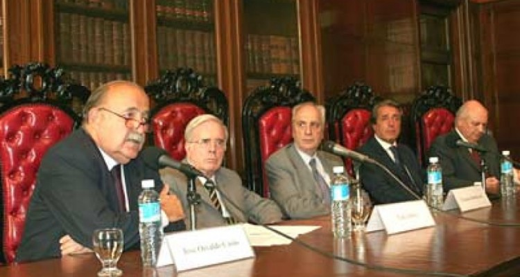 José O. Casás, Tulio Ortiz, Eduardo Barbarosch, Daniel Vítolo y Jorge H. Damarco
