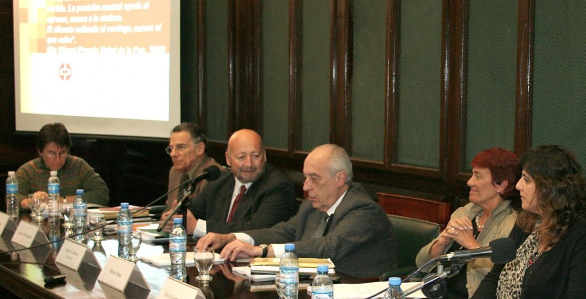 Alcira Daroqui, Roberto Bergalli, Francisco Mugnolo, Mónica Pinto y Silvia Guemureman