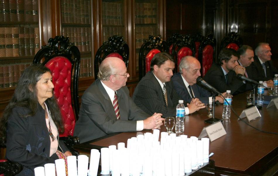 Daniel Altmark, Rubén A. Fernández, Atilio Alterini, Gonzalo Álvarez, Omar Álvarez y Ramón G. Brenna
