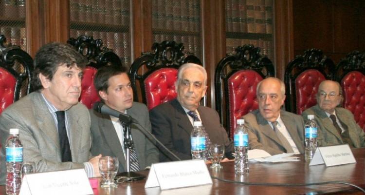 Juan V. Sola, Fernando Blanco Muiño, Víctor Hipólito Martínez, Atilio Alterini y Félix Luna
