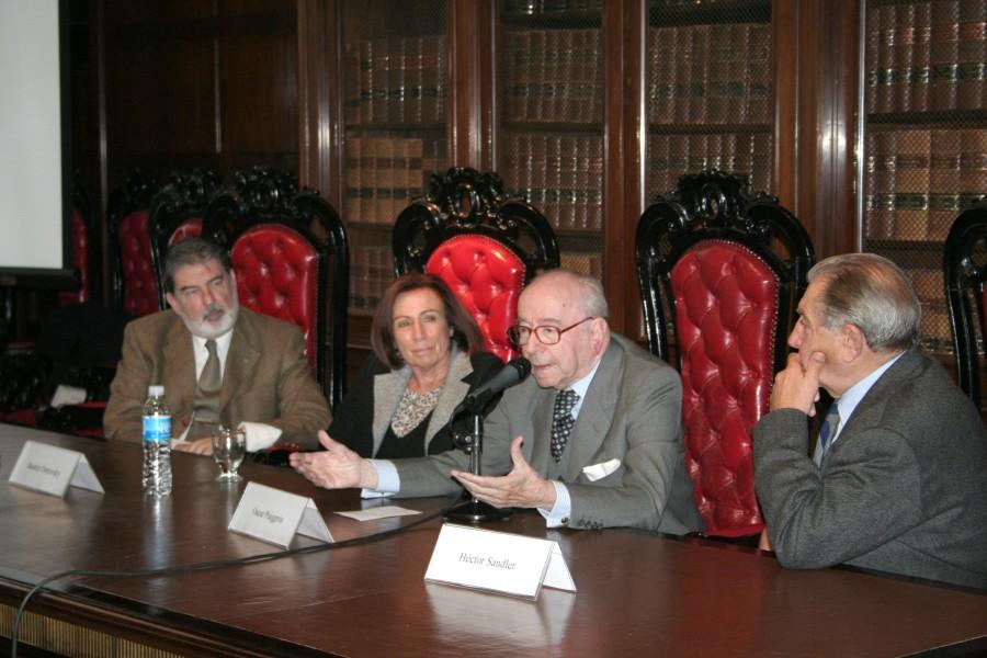 Carlos M. Cárcova, Beatriz Ostrovsky, Oscar Puiggrós y Héctor R. Sandler