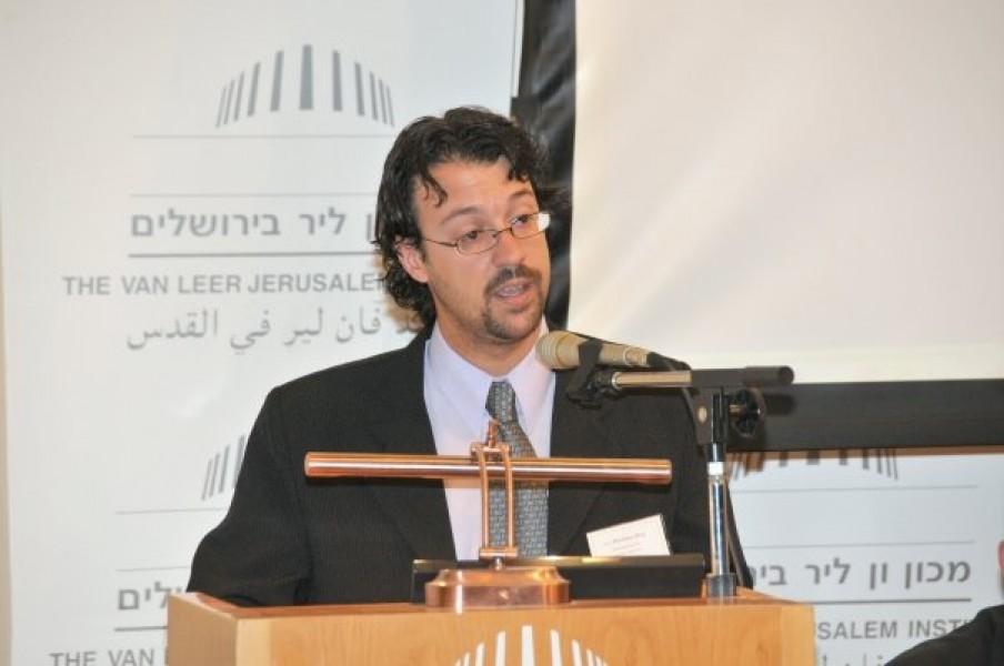 Emiliano J. Buis