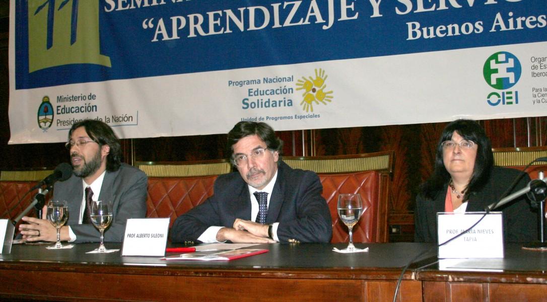 Sergio Rial, Alberto Sileoni y María Nieves Tapia