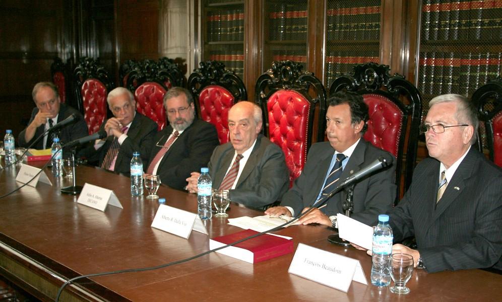 Denis L´Anglais, Julio César Rivera, Réjean Tessier, Atilio A. Alterini, Alberto Dalla Vía y François Beaudoin