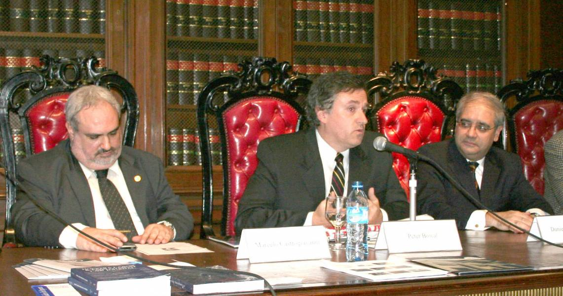 Ricardo M. Castrogiovanni, Peter Bowal y Daniel H. Obligado