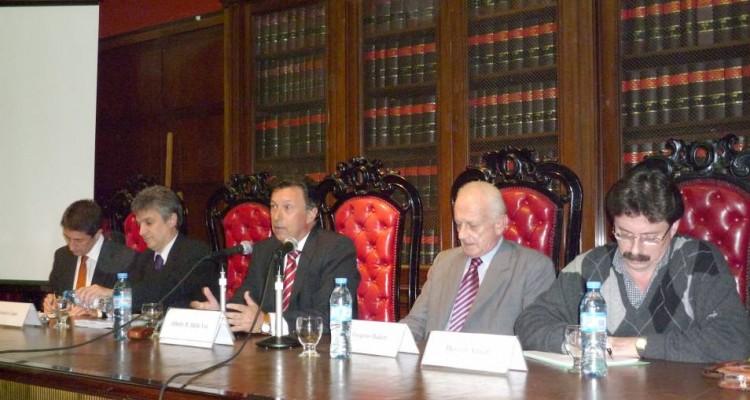 Adrián Ventura, Gustavo López, Alberto R. Dalla Vía, Gregorio Badeni y Henoch Aguiar