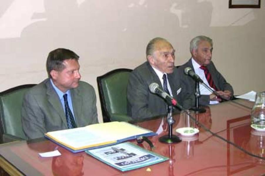 Teodoro Hampe Martínez, Abelardo Levaggi y Bernardino Bravo Lira