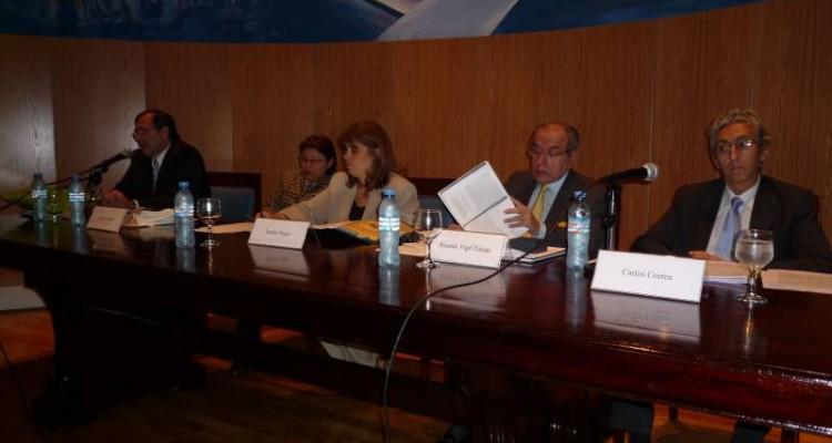 Roberto Ruiz Díaz Labrano, Silvia Rosales, Sandra C. Negro, Ricardo Vigil Toledo y Carlos M. Correa