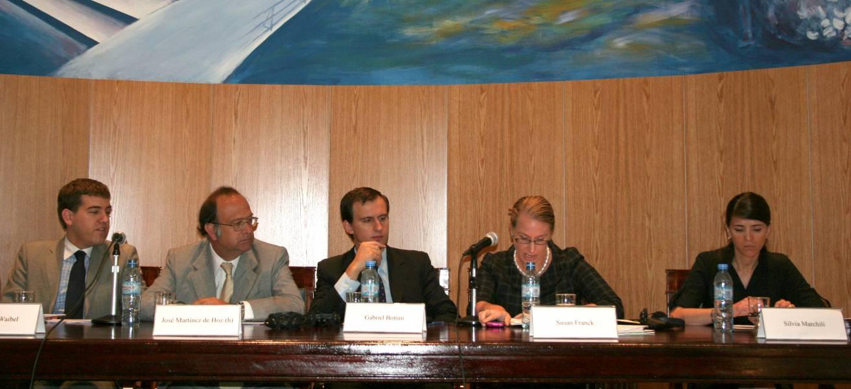Michael Waibel, José Martínez de Hoz (h), Gabriel Bottini, Susan Franck y Silvia Marchili