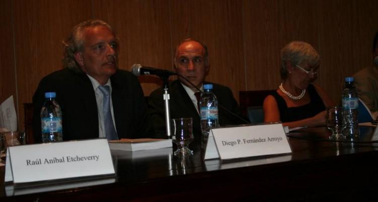 Diego Fernández Arroyo, Ricardo L. Lorenzetti y Mónica Pinto