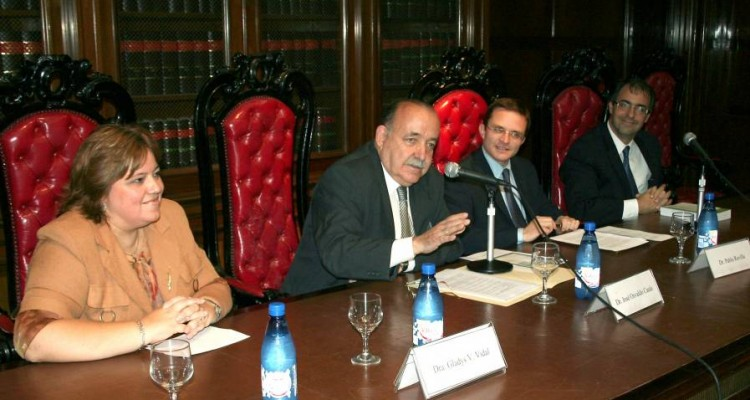 Gladys Vidal, José O. Casás, Pablo J. M. Revilla y Luis Mariano Genovesi