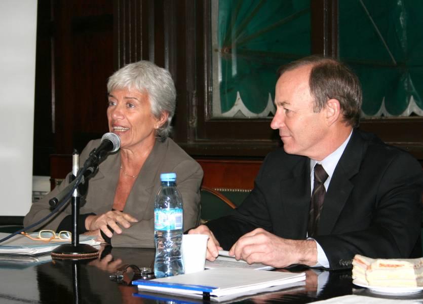 Mónica Pinto y Bryant C. Garth
