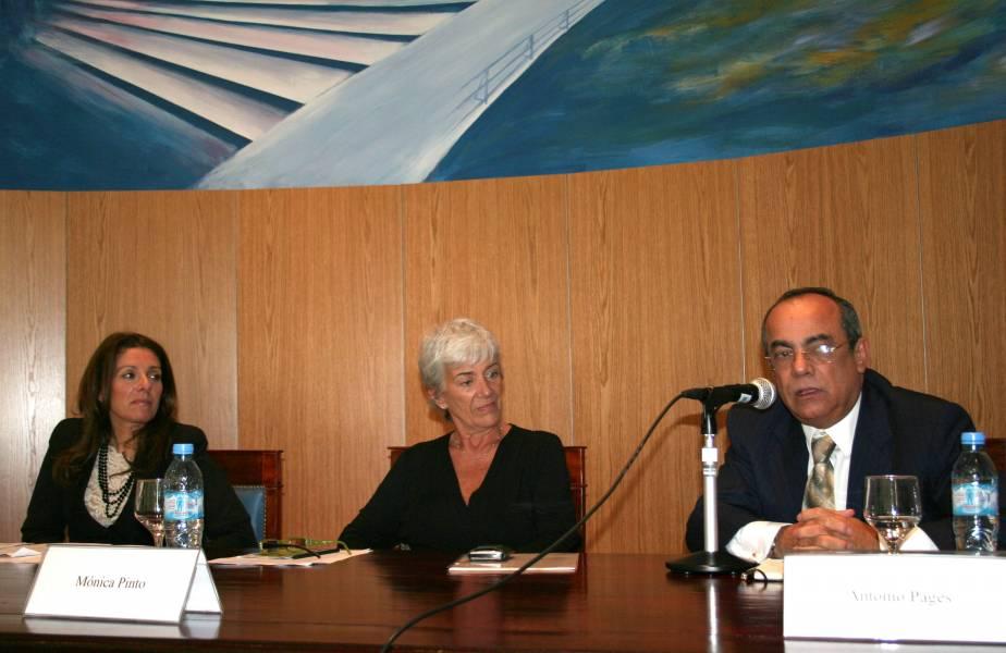Mónica Cuñarro, Mónica Pinto y Antonio Pagés