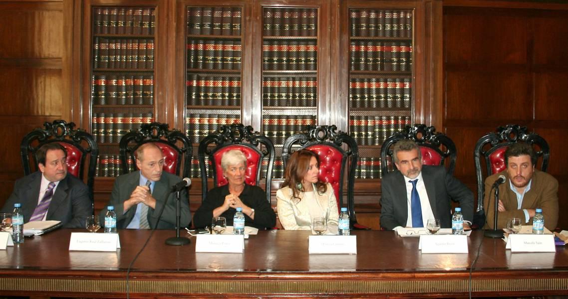 Carlos Arslanian, Eugenio R. Zaffaroni, Mónica Pinto, Mónica Cuñarro, Agustín Rossi y Gastón Chillier