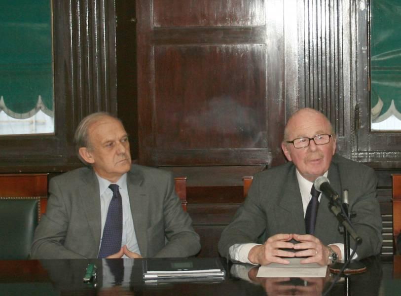 Tomás de la Quadra-Salcedo y Daniel R. Altmark