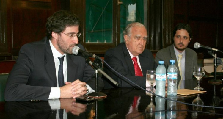Carlos Mas Velez, Ricardo Gil Lavedra y Leandro A. Martínez