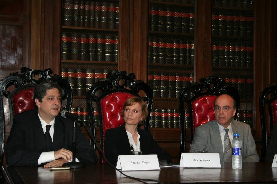 Marcelo Alegre, Arleen Salles y Hernán Doval