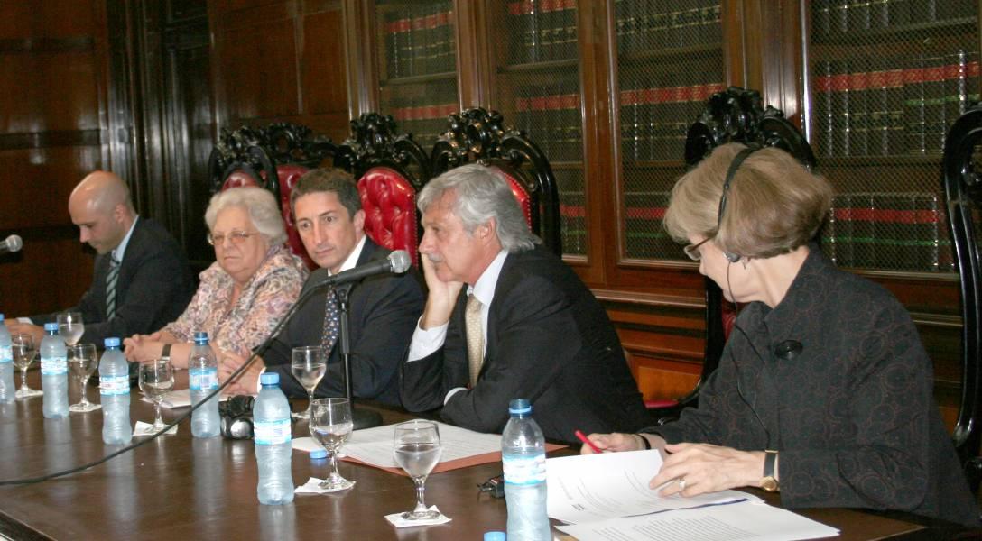 Álvaro Herrero, Carmen Argibay, Adrián Ventura, Alejandro Carrió y Elizabeth W. Millard