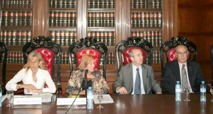 Eduardo Adragna, Alicia Chiviló, Juana Blangiardi, Diego Esteban Chami, Rafael Illescas Ortiz y Daniel R. Vítolo