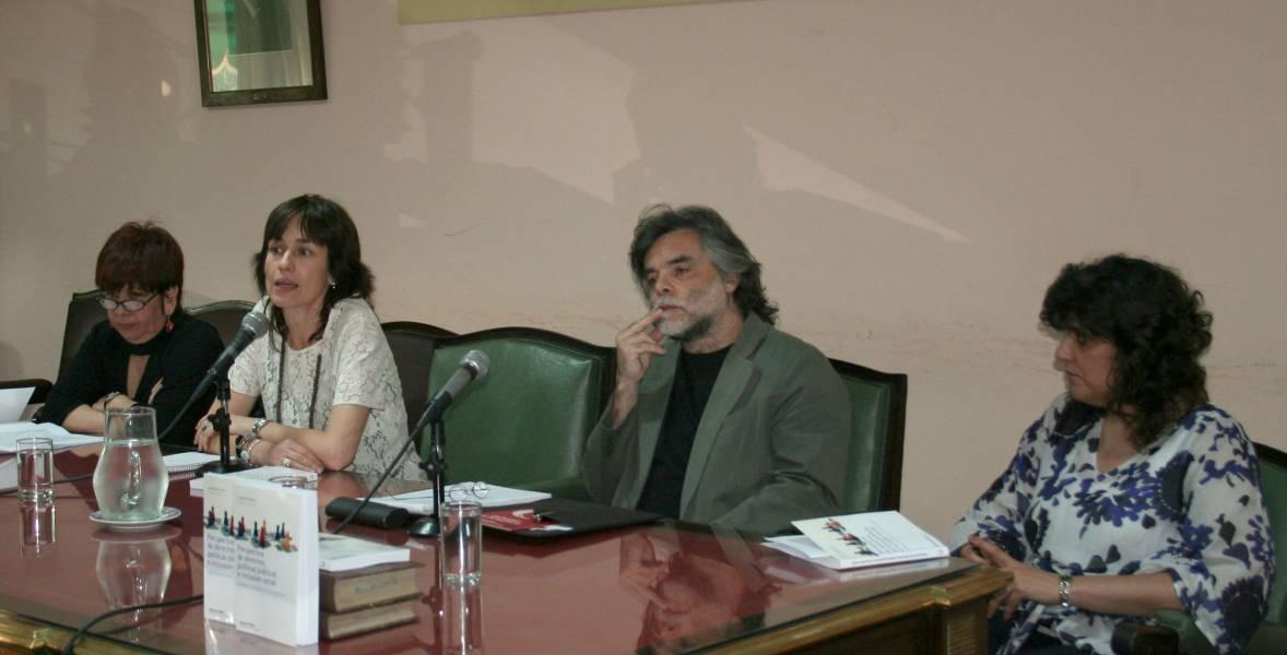 Margarita Rozas Pagaza, Laura Pautassi, Néstor López y Silvia Guemureman