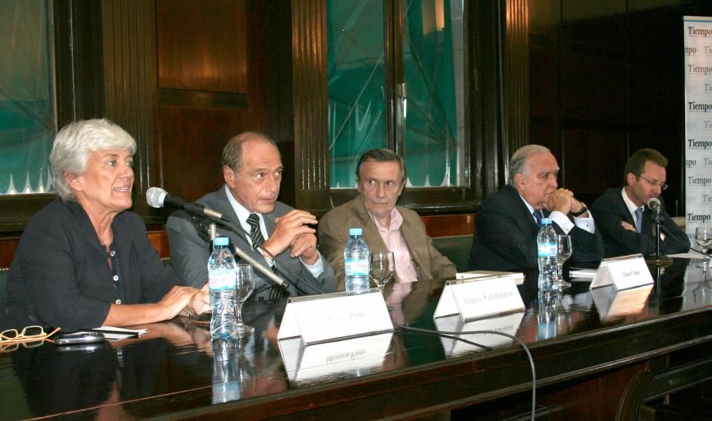 Mónica Pinto, Eugenio R. Zaffaroni, Néstor Cohen, Ricardo Gil Lavedra y Martín Magram