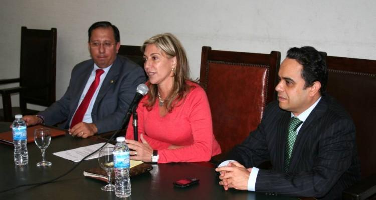Miguel Castillo, Marcela Basterra y Francisco J. Acuña Llamas