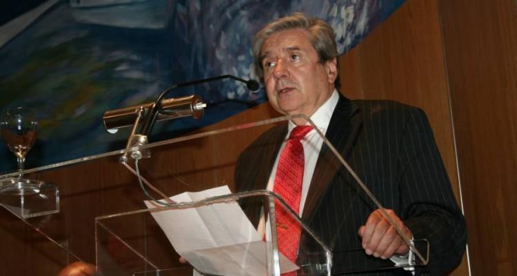 Alberto J. Bueres