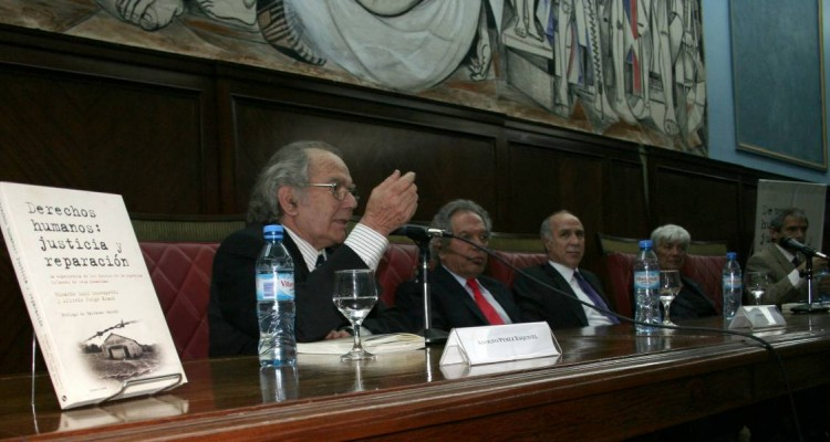 Adolfo Pérez Esquivel, Alfredo J. Kraut, Ricardo L. Lorenzetti, Mónica Pinto y Eduardo Anguita