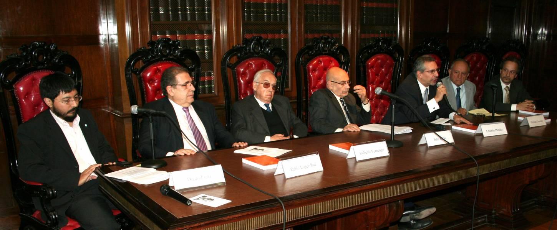 Diego Luna, Pablo López Ruf, Roberto Vernengo, Julio Raffo, Eduardo Méndez, Hipólito Giménez y Jorge E. Douglas Price