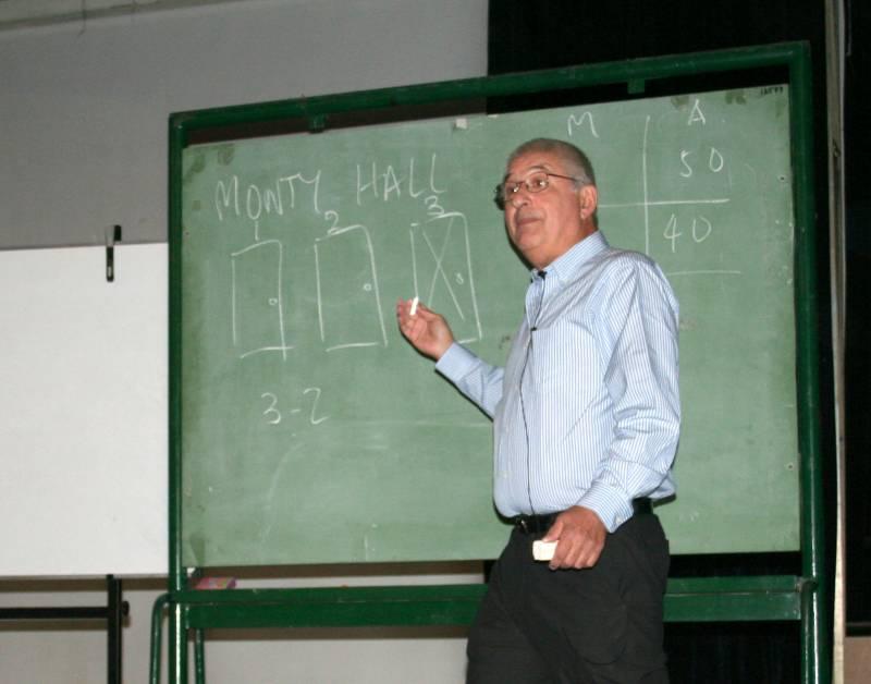 Adrián Paenza