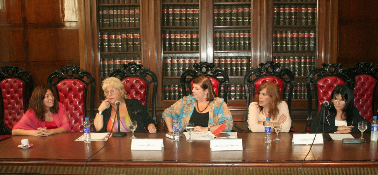 Gabriela Nasser, Lucía Alberti, María Luisa Storani, Fabiana Tuñez y Claudia Basse