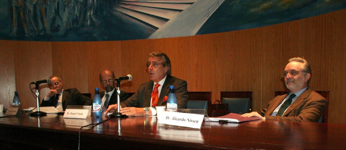 Martín Arecha, Rafael M. Manóvil, Daniel R. Vítolo y Ricardo Nissen