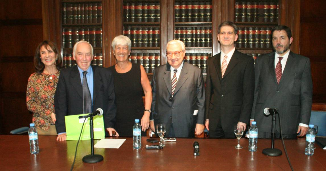 Gladys Álvarez, Roberto J. Vernengo, Mónica Pinto, Ricardo A. Guibourg, Daniel Mendonca y Carlos A. Venier