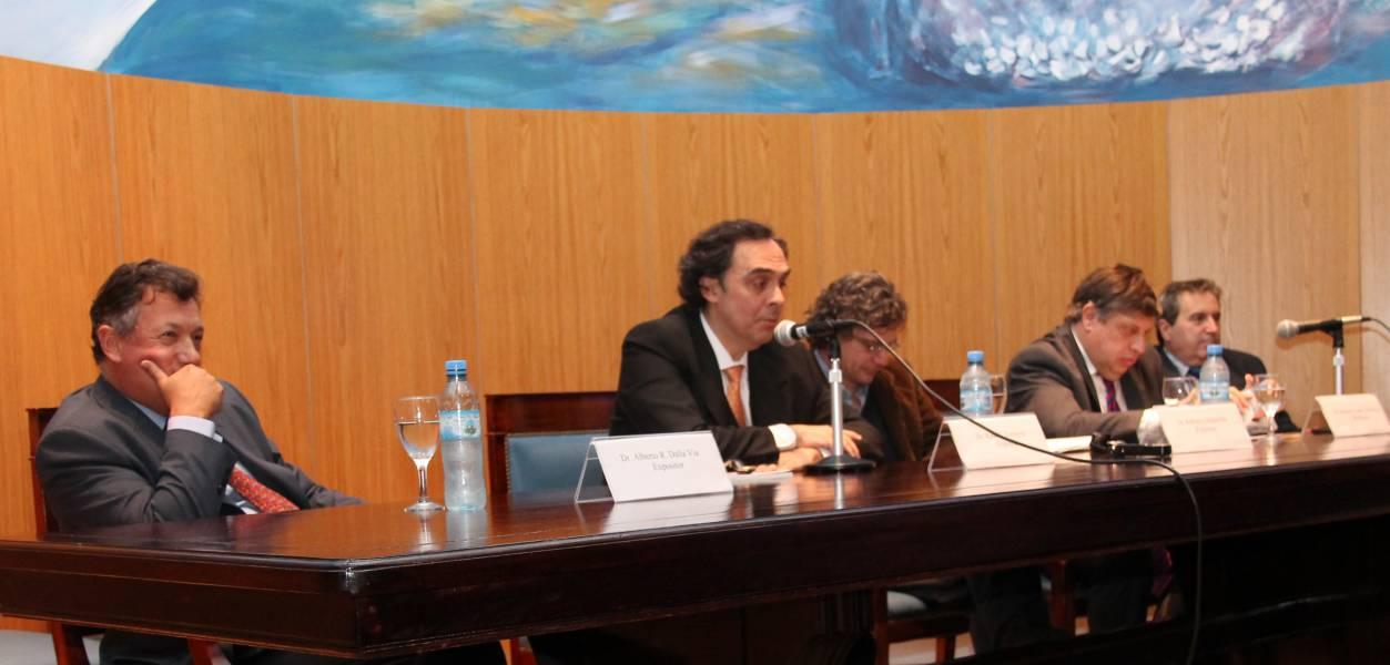 Alberto R. Dalla Via, Raúl Gustavo Ferreyra, Roberto Gargarella, Marcelo López Alfonsín y Edgardo Costa