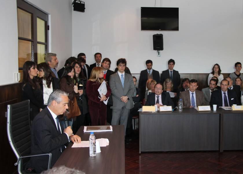La primera audiencia pública se llevó a cabo al día siguiente de la inauguración en el marco de la causa 298 de 2013, caratulada AySA y otros sobre ejecución de sentencia y fue presidida por el titular del Juzgado Nacional Criminal y Correccional Federal Nº 12, Dr. Sergio Torres.