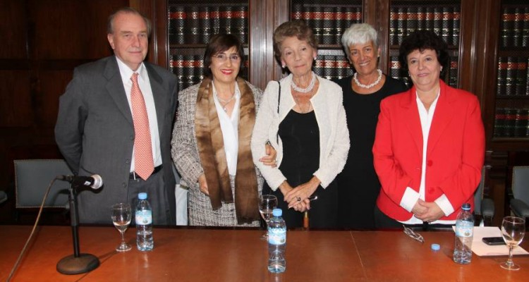Raúl Vinuesa, Lilian del Castillo, Hortensia D. T. Gutiérrez Posse, Mónica Pinto y Susana Novile