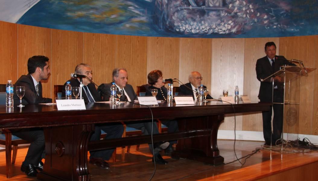 Leandro Martínez, Juan Octavio Gauna, Alberto García Lema, Elva Roulet, Horacio Sanguinetti y Alberto Dalla Via