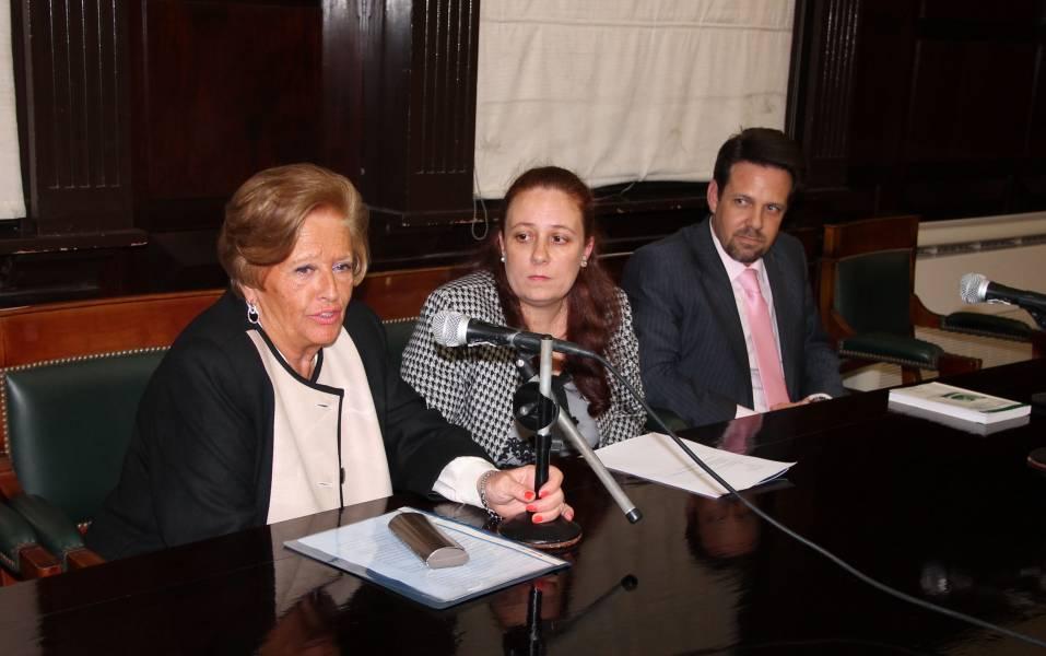 Graciela Güidi, Flavia Medina y Rodrigo Laje
