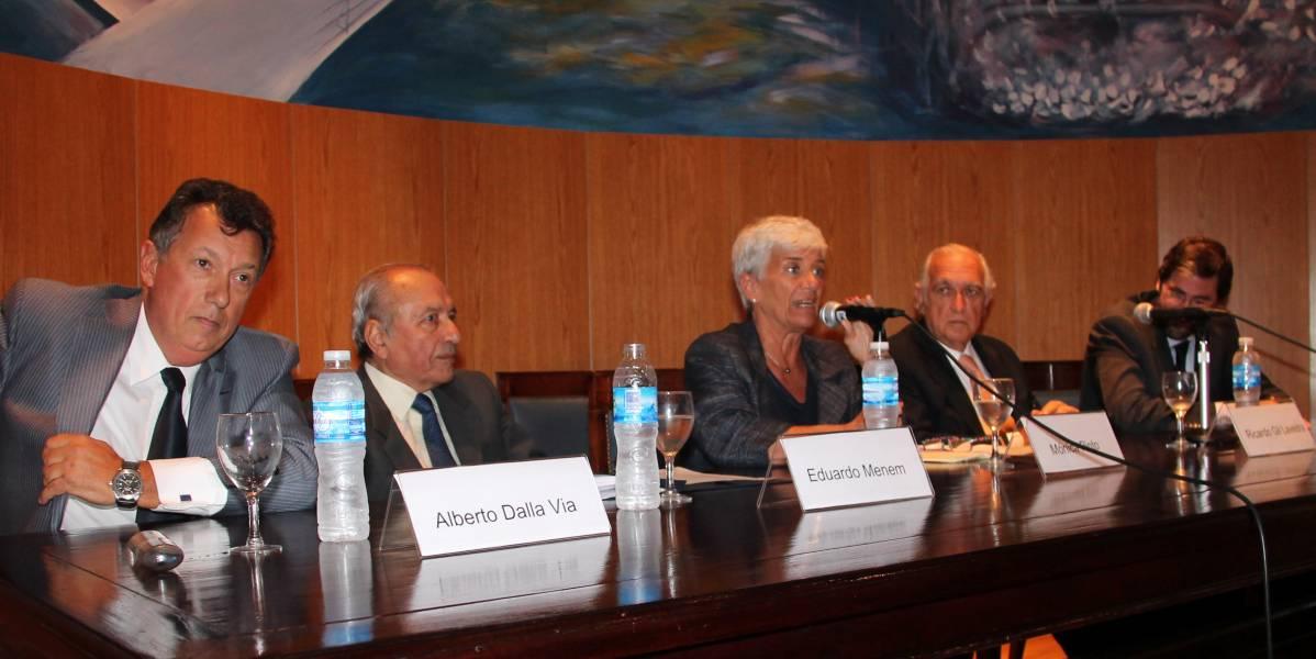 Alberto R. Dalla Via, Eduardo Menem, Mónica Pinto, Ricardo Gil Lavedra y Carlos Mas Velez