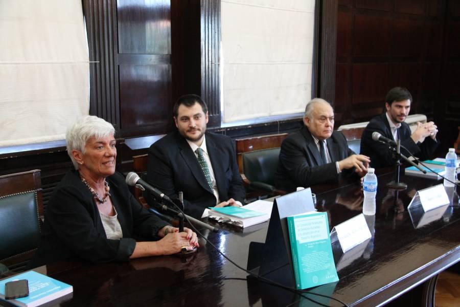Mónica Pinto, Enrique M. Alonso Regueira, Agustín Gordillo y Federico Thea
