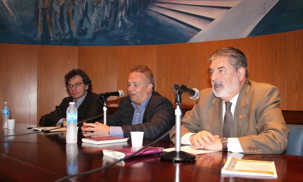 Roberto Gargarella, Andrés Gil Domínguez y Carlos M. Cárcova